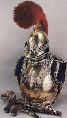 Elmo, corazza, pistole e spada da carabiniere