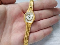Mom Jewelry, Jewelry Gifts, Mother Gifts, I Shop, Quartz, Watches, This Or That Questions, Lady, Gold