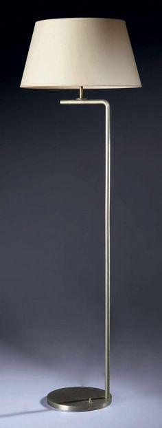 Robert Mallet-Stevens (1886-1945) Lampadaire, vers 1930 Le fût tubulaire en…