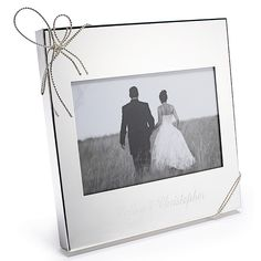 Vera Wang Love Knots 4x6 Frame- Thank your parents and bridesmaids with duly decorated silver frames.