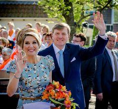 Koningspaar uitgezwaaid in De Rijp - koningsdag 2014