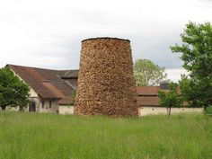 over 2000 wood pieces used in log tower by tadashi kawamata - designboom