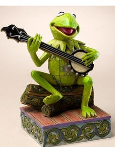Jim Shore does justice to Kermit the Frog and the Muppets. #muppets