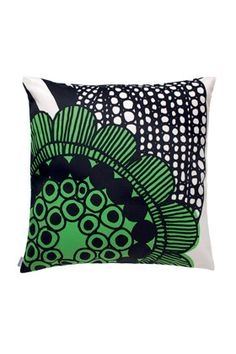 Love green and this modern pattern. It would look great on my couch.   Siirtolapuutarha pillow sham by Marimekko #ModernsPIN