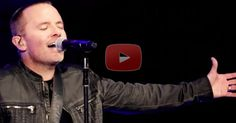 """This Live Performance Of """"Our God"""" by Chris Tomlin Has Almost 4 Million Views"""