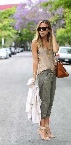 tank + capri khakis + ankle strap shoe chic