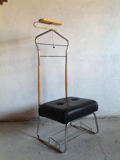 For the gent in your life who has everything.A 1960's Gentlemans valet stand, with padded seat. Contact Paul retrorumage@gmail.com