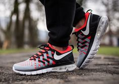 Nike Fingertrap Max – Bright Crimson – Dove Grey – Black