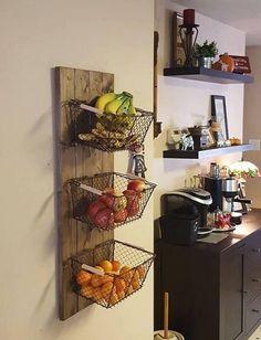 Si vous souhaitez stocker vos légumes sans perdre de place, voici la solution à réaliser soi-même !