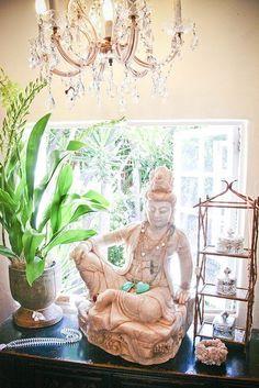 bedroom feng shui tips Page Feng Shui Bedroom Tips, Feng Shui Tips, Feng Shui Principles, Grand Luxe, Asian Design, Chandelier, Japanese Flowers, Exterior, White Decor