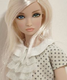 Alice by Peewee Parker, via Flickr