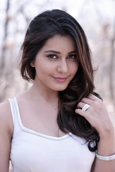 Actress Rashi Khanna Latest Picture Gallery 009 - Rashi Khanna looks So Innocnet abd Cute and Beautiful from movie Joru Must see Beautiful Bollywood Actress, Beautiful Indian Actress, Beautiful Actresses, India Beauty, Asian Beauty, Glamour, Indian Celebrities, South Indian Actress, Indian Girls