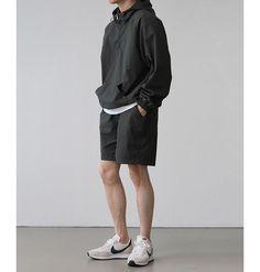 Japan Fashion, Look Fashion, Daily Fashion, Mens Fashion, Mens Style Guide, Raining Men, Minimal Fashion, Men Looks, Mens Clothing Styles