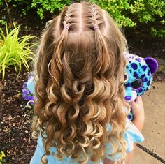 Today we are joining a very special birthday twin for our Insta-friend Julie . She does such beautiful styles on her daughter… Teenage Hairstyles For School, Cute Hairstyles For Teens, Baby Girl Hairstyles, Baddie Hairstyles, Girl Haircuts, Birthday Hairstyles, Party Hairstyles, Hairstyles Videos, Haircut Styles For Girls