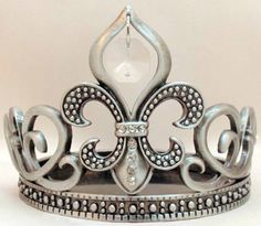 Amazon.com: Beautiful Pewter, Rhinestone and Crystal Fleur de Lis Candleholder or Wine Bottle Holder: Home & Kitchen