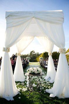 Pretty outdoors wedding
