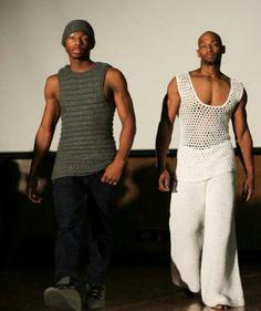 Knotty loops Moda Crochet, Crochet Men, Crochet Hats, October Fashion, Crochet Summer Tops, Fashion Show, Mens Fashion, Yarn Bombing, Crochet Fashion