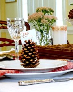 Fall Craft Ideas | Pine Cone Place Cards
