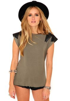 Driana Leather Shoulder Patch Tee In Khaki