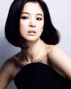 Eye Candy : Song Hye Kyo for Harper's Bazaar // rolala loves Song Hye Kyo, Korean Beauty, Asian Beauty, Portrait, Asian Makeup, Asian Celebrities, Korean Actresses, Bridal Makeup, Legs