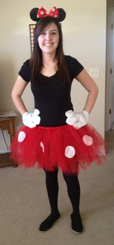 Minnie Mouse costume ideas for Mickey's Halloween party- love the gloves! Mickey Halloween Party, Minnie Mouse Halloween Costume, Homemade Halloween Costumes, Easy Costumes, Halloween Kostüm, Costume Ideas, Costume Box, Purim Costumes, Teacher Costumes