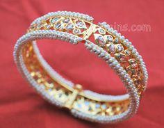 Indian Bridal Bangles Gold Uncut Diamond 53 Ideas For 2019 Bridal Bangles, Gold Bangles, Bridal Jewelry, Gold Jewelry, Uncut Diamond, Diamond Cuts, Urban Jewelry, Diamond Bangle, Diamond Jewellery