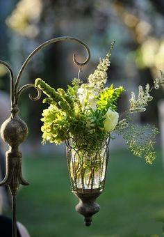 Vintage garden party decor with flowers Beautiful Gardens, Beautiful Flowers, Beautiful Beautiful, Lanterns With Flowers, Bouquet Champetre, Deco Floral, Dream Garden, Yard Art, Garden Inspiration