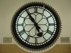 Victorian Station Clock in Cumbernauld Shopping Centre Victorian Clocks, Glasgow Scotland, Shopping Center, Old Photos, Centre, History, Steam Punk, Wedding Planner, Carnival