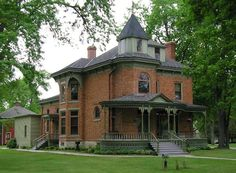 The Beyer House in Oconto, WI.used to live near by.you should see the… Old Victorian Homes, Victorian Houses, Brick Houses, Wisconsin Cheese, Fantasy House, Second Empire, Victorian Architecture, Gothic House, Brick And Stone