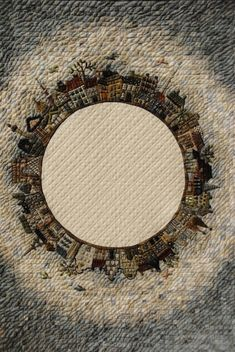 Yoko Saito - Emblem of the Tokyo International Quilt Festival 2012 Yoko Saito, Quilt Festival, Japanese Patchwork, Circle Quilts, Shibori, Winter Quilts, Textile Fiber Art, House Quilts, Japanese Embroidery