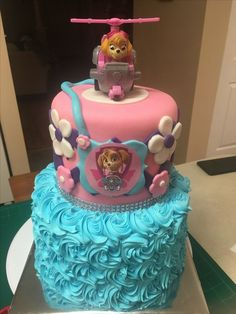 Paw patrol party for girls - Trend Today : Your source for the latest trends, exclusives & Inspirations 4th Birthday Cakes, 3rd Birthday Parties, Birthday Fun, Birthday Ideas, Skye Paw Patrol Cake, Paw Patrol Party, Pastel Paw Patrol, Fete Emma, Paw Patrol Birthday Girl