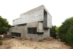 Gallery of Roland House / Luciano Kruk + María Victoria Besonias - 17