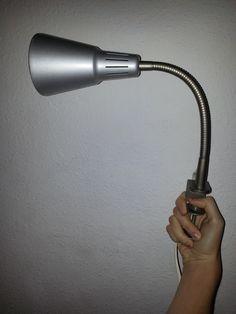 Esta lámpara que tengo en mi cuarto se parece mucho a la letra GAMMA del alfabeto griego.