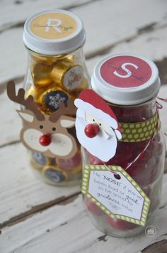 Christmas Santa and Rudolph Candy Gift Bottles. Free Printables | theidearoom.net