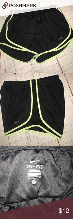 Woman's  Nike shorts Dri fit . Nike running shorts women's medium good condition Nike Shorts