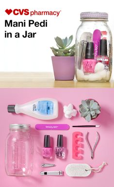 The mother figure in your life deserves a guilt-free, stress-free spa day. And this DIY mani-pedi in a jar is just the thing to indulge her while she relaxes at home. Pack a jar with at-home pampering Diy Spa Day, Spa Day Party, Spa Birthday Parties, Pamper Party, Spa Day At Home, Diy Birthday, Birthday Gifts, Spa In A Jar, Diy Gifts In A Jar