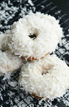 me ~ Pin on Donut Recipes ~ Coconut lovers rejoice! I've created amazing donuts that you will fall in love with at the first bite! It's Coconut Cake Donut that has coconut flavors inside and out. Delicious Donuts, Delicious Desserts, Dessert Recipes, Yummy Food, Healthy Donuts, Baked Doughnuts, Donuts Donuts, Baked Donut Recipes, Homemade Donuts