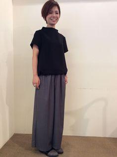 TOPS:La Tiara Itals ¥13,824- PANTS:La Tiara Itals ¥14,904- ACCESARY:PHILIPPE AUDIBERT ¥15,120-(Ring)                       ¥18,360-(Bracelet) SHOES:GAIMO ¥19,440-