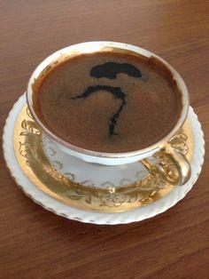 Kahve (anneanne fincanı, en az elli yıllık)