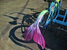 mermaid bike - makes me smile! Africa Burn, Bike Decorations, Bike Parade, Burning Man 2016, Mermaid Parade, Burning Man Outfits, Unicorns And Mermaids, The Little Mermaid, Amazing