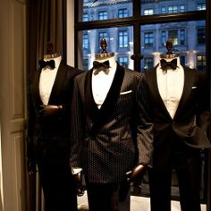 Hackett London's newly opened store on Regent Street is the place to visit for relaxed casual wear, smart accessories and beautiful tailoring. News Bulletin, Casual Wear, Suit Jacket, London, Street, How To Wear, Accessories, Beautiful, Fashion