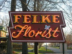 Felke Florist porcelain neon sign plymouth Indiana Vintage Neon Signs, Retro Vintage, Plymouth Indiana, Neon Clock, Neon Light Signs, Gas Pumps, South Bend, Advertising Signs, Bright Lights