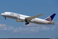 United Airlines N26910 Boeing 787-8 Dreamliner aircraft picture