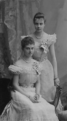 carolathhabsburg: Another image of Pss Olga and Alexandra of Hanover. Princesa Alexandra, Adele, German Royal Family, Christian Ix, Ernst August, Royal King, Royal Blood, Royal Clothing, Princess Caroline