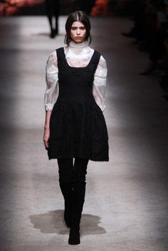 Alberta Ferretti | Milão | Inverno 2016 - Vogue | Desfiles
