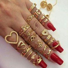 💖💖💖Add Me!!! 👑👑Pinterest @princess___dess 👑👑Instagram @princess___dess 👑👑Snap @Sdestinya 💖💖💖 Jewelry Box, Cute Jewelry, Jewelery, Jewelry Rings, Gold Jewelry, Trendy Accessories, Fashion Accessories, Jewelry Accessories, Armband