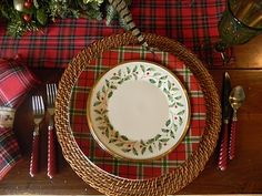 A Toile Tale: Tartan Christmas Table...<3 the diff patterns together  I actually have the top plates)