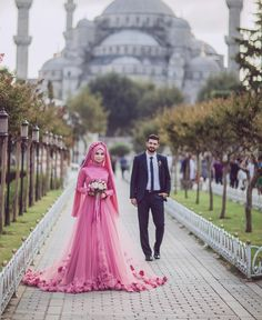 Awesome Amazing 2018 Pink Dubai Muslim Bridal Gown With Hijab Flowers With Hijab Wedding Dress 2018 Hijabi Wedding, Muslim Wedding Dresses, Muslim Brides, Bridal Hijab, Hijab Bride, Bridal Gowns, Turkish Wedding Dress, Muslim Couple Photography, Beauty