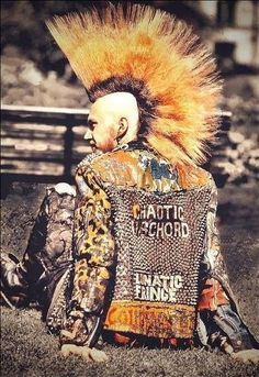 Best Crust Punk Leather Jacket with Image of Punk Jacket Redesign on Gallery Ropa Punk Rock, Estilo Punk Rock, Subcultura Punk, Punk Boy, Crust Punk, Punk Mohawk, Moda Punk, Arte Punk, Punk Rock Outfits