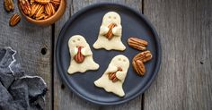 Shortbread Pecan Ghost Cookies ndash American Pecans: These pecan shortbread ghost cookies are so good it's spooky. Serve them as a festive treat kids of all ages will love at your Halloween party. Pecan Desserts, Pecan Recipes, Apple Recipes, Fall Recipes, Baking Recipes, Dessert Recipes, Halloween Desserts, Halloween Cookies, Halloween Treats